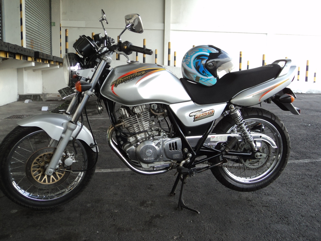 Suzuki Thunder 250cc 2001