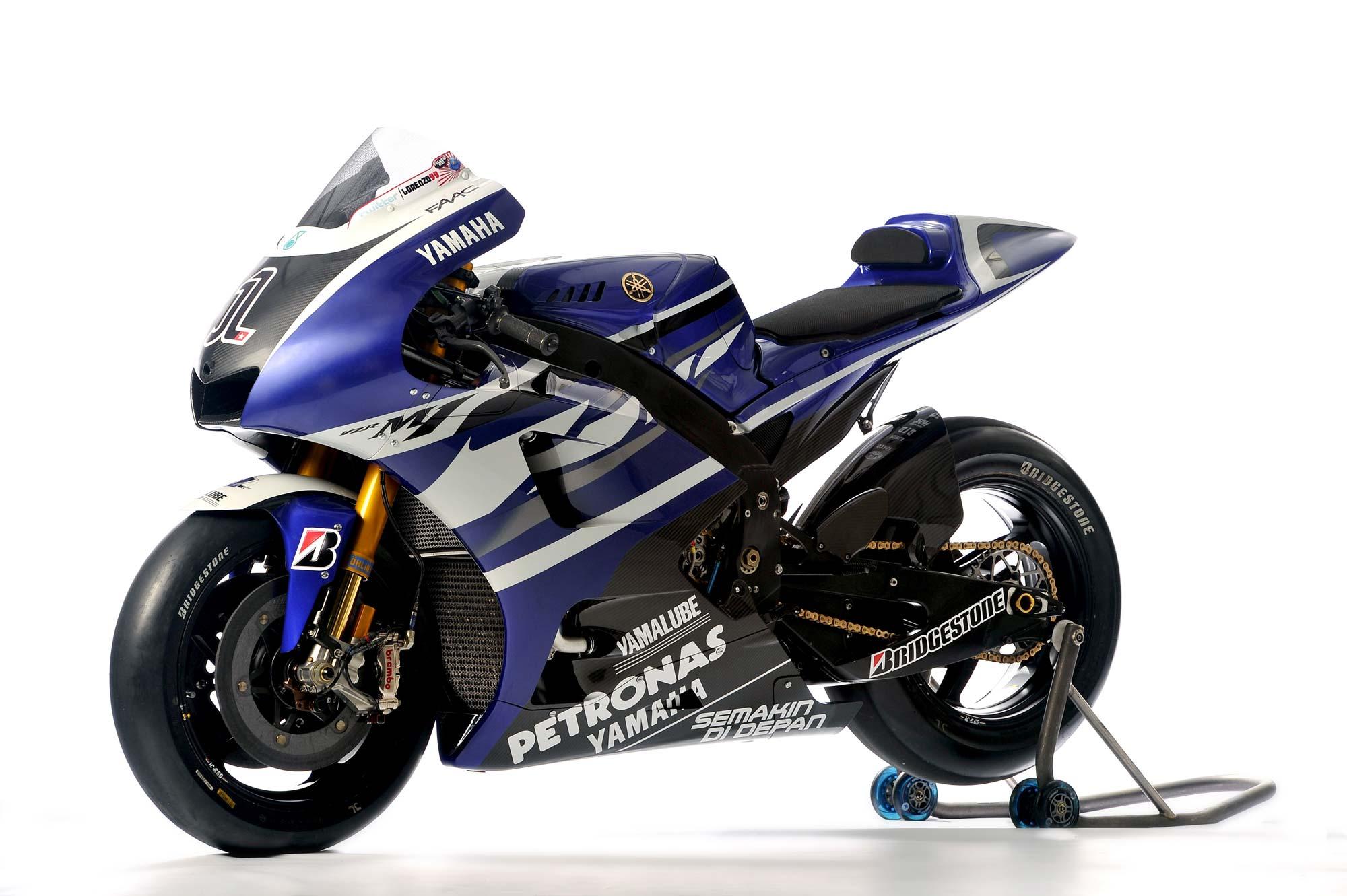 Spesifikasi Yamaha YZR- M1 MotoGP - RiderTua.Com