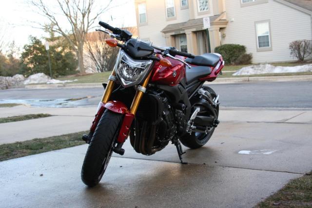 Yamaha FZ1 naked 2