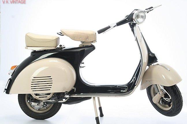 Vespa_150_Black_Beige_Scooters