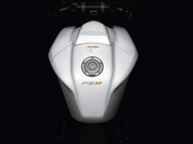 FZ8 fuel tank