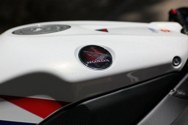 2012-Honda-CBR-1000RR-Fireblade