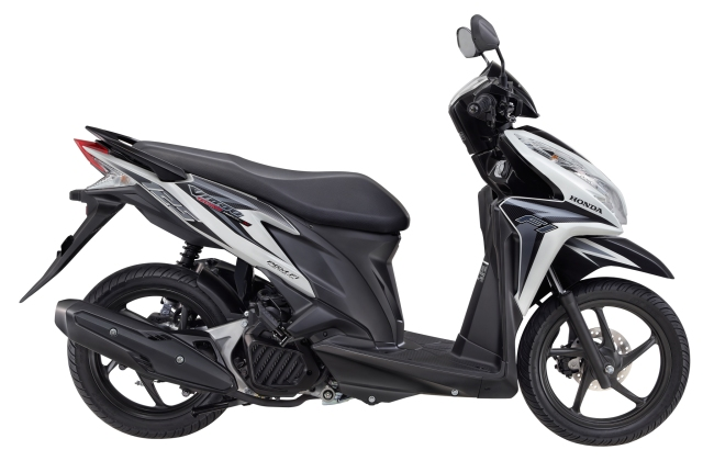 2012.Vario Techno 125 PGM-FI Swift White Silver