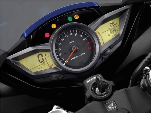2012-Honda-VFR-1200F-Speedometer