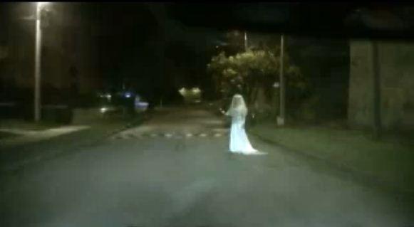video penampakan hantu wanita di jalan   ridertua news