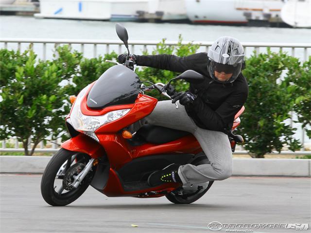 Honda_PCX150