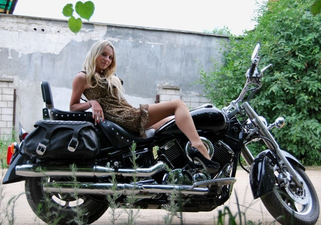 girl-blonde-black-motorcycle-bike