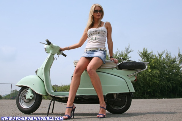 girl scooter