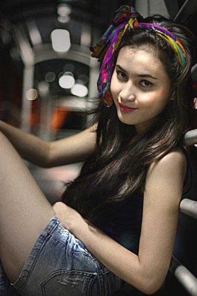Kiki Azhari girl