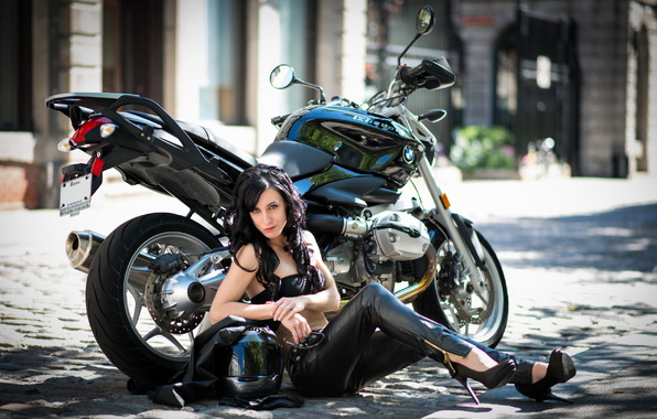 motorcycle girl street (goodfon.com)