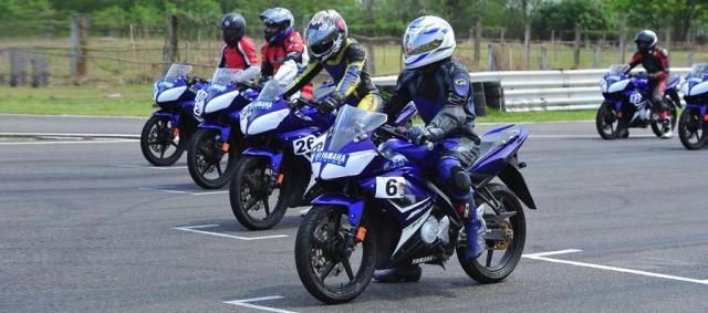 r15 one make race