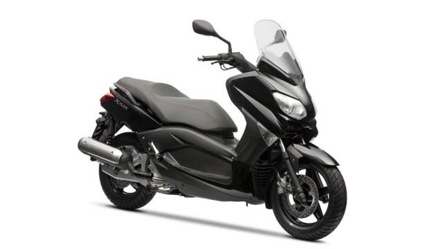 2013-Yamaha-XMAX-125-ABS-EU-Midnight-Black-Studio