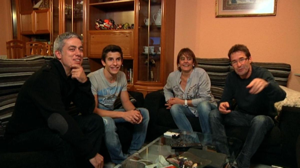 "Marc Marquez Pengin ""Sungkem"" Ke Ibundanya Valentino Rossi...???"