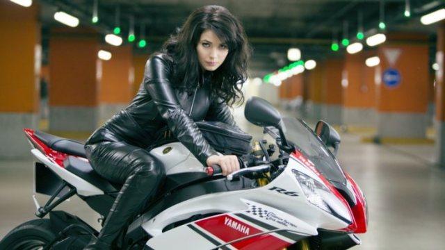 Yamaha R6 Girl