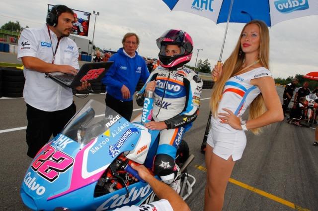 Ada yang salah dengan gambar ini...ana-carrasco-team-calvo-brno-moto3