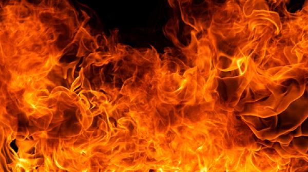 Begal-Motor-Pondok-Aren-Tangerang-Dibakar