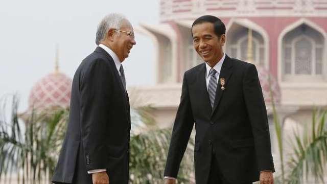 Mobil Nasional Kerja Sama Dengan Proton Malaysia....Sebuah Kemunduran