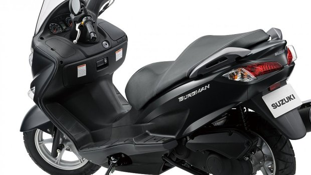 suzuki- burgman-125-and-200-scooters-4