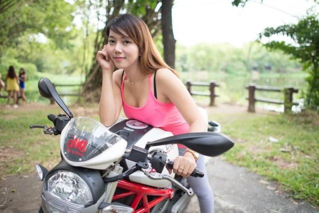 ducati girl-2