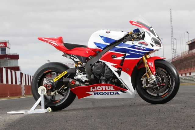 honda-cbr1000rr-fireblade- suzuka-8-hours-endurance-race