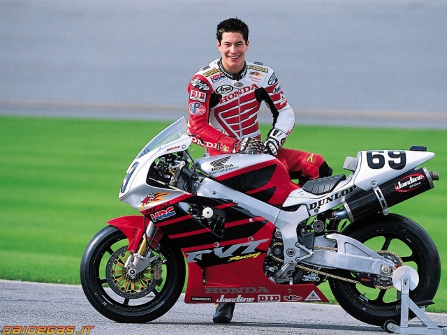 Honda_RC51_2002_nicky-hayden-ama-sbk