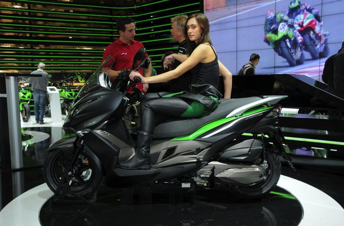 Kawasaki J 300... Ninja Matic Nih....!!!