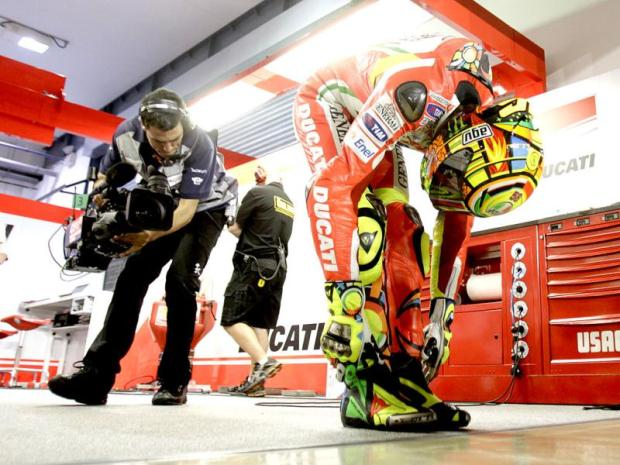 Valentino rossi-stretching