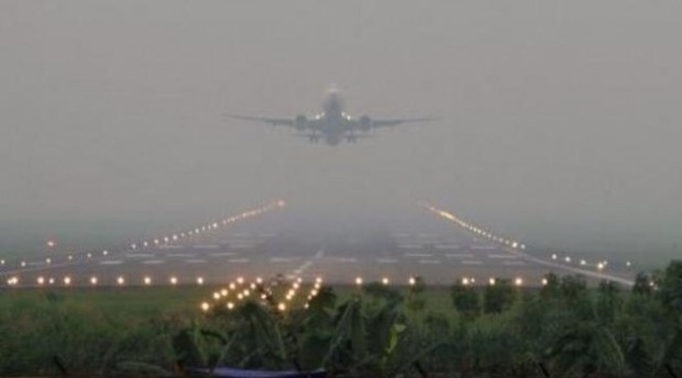 Kabut-Asap-Yang-Menyelimuti-Bandara
