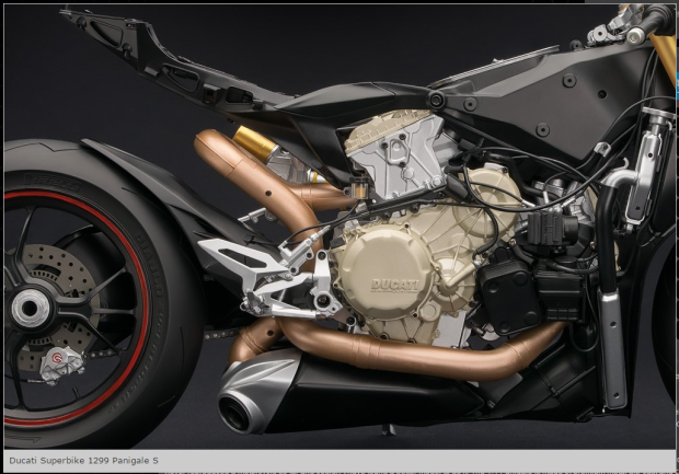 Ducati Panigale 1299 Superquadro 2