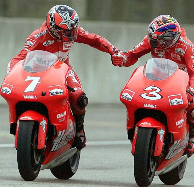 MOTO: BRASILE; 500, Max Biaggi (3), on Yamaha, and Spanish Carlos Checa (7) 500cc Rio's GP race, 03 November 2001, autodrome in Rio de Janeiro, Brazil. Rossi won the race while Checa finished second.