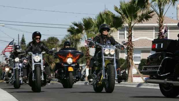 harley-davidson_women_riders