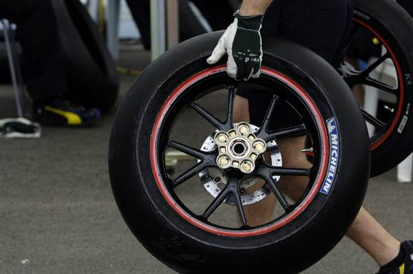 Ban-Michelin-Motogp
